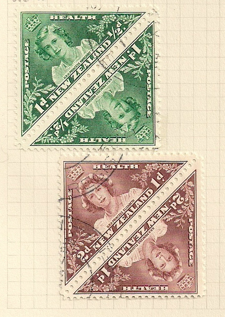 1943 NZ - SG636-637 Health: Joined Triangular Set (4) VFU